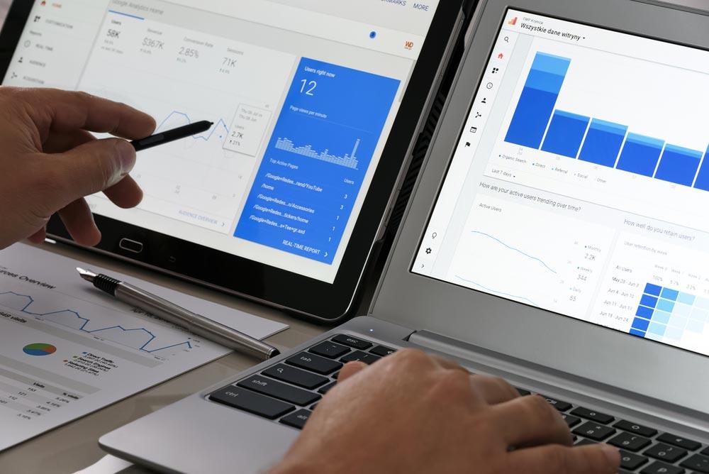 Google Analytics 是免費且基礎的網站追蹤工具